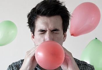 Турецким детям хотят запретить надувать воздушные шарики